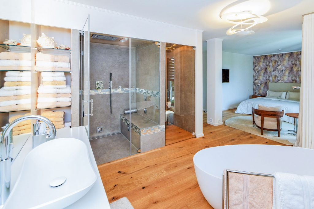 Charmantes Wohnbad - großes Badezimmer