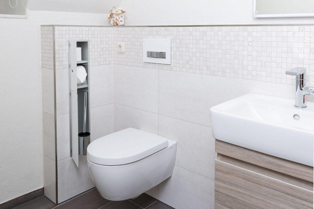 WC-Schamwand mit emco Modul