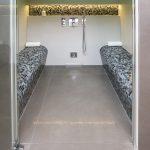 Bergmann + Franz, Berlin- Ausstellung: Dampfkabine mit Sitzelement befliest