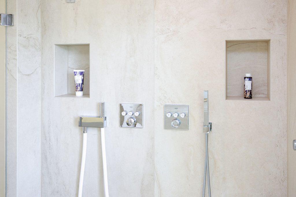 Großartige Wellness-Dusche macht Dampf